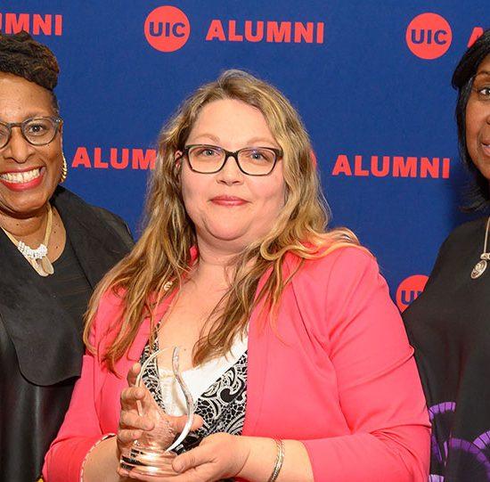 JACSW alumna receiving award